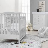 A child loves to draw and to color🎨. Have you ever seen a bedroom which can be coloured? Only @ hoi-baby.ch 😉We are back with a beautiful collection 🤩 Are you looking for something special for your newborn child's bedroom 👶🏼? Hoi-baby has everything you need🙃 a preview of our new collections soon will be available to be sold, link in bio 👆🏻🔝 The beauty of the Made in Italy 🇮🇹. (ph. Color me bedroom) 😍#madeinitaly #italbaby #babyroom #design #kinderzimmer #newcollection #kidsroom #designforkids #nursery #mumtobe #newborn #hoibabych